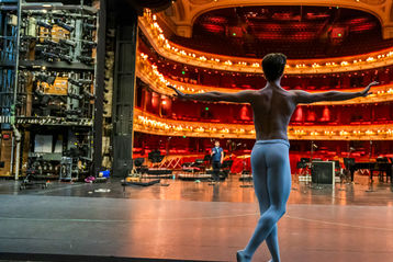 The Royal Ballet: Back on Stage.