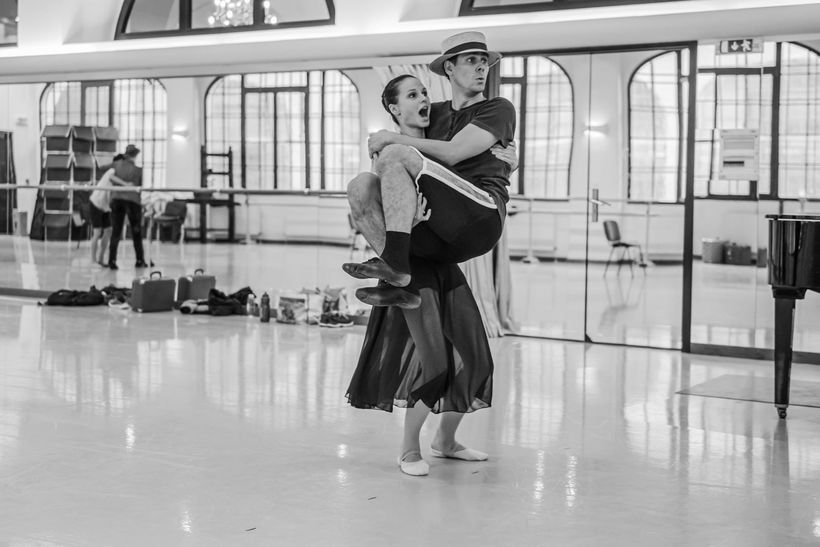 Rehearsal of Leonce & Lena (Radka Příhodová and Ondřej Vinklát). Photo: Serghei Gherciu.